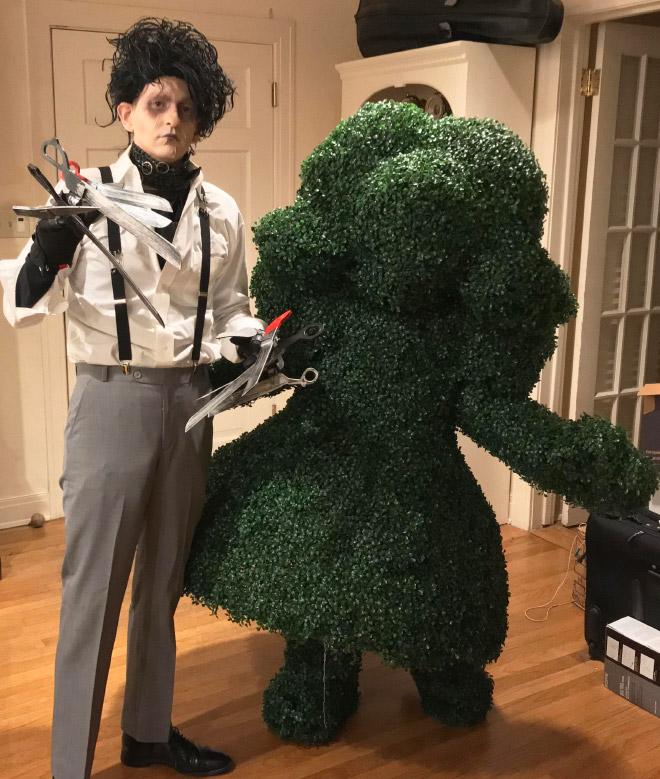Edward Scissorhands Halloween costume.