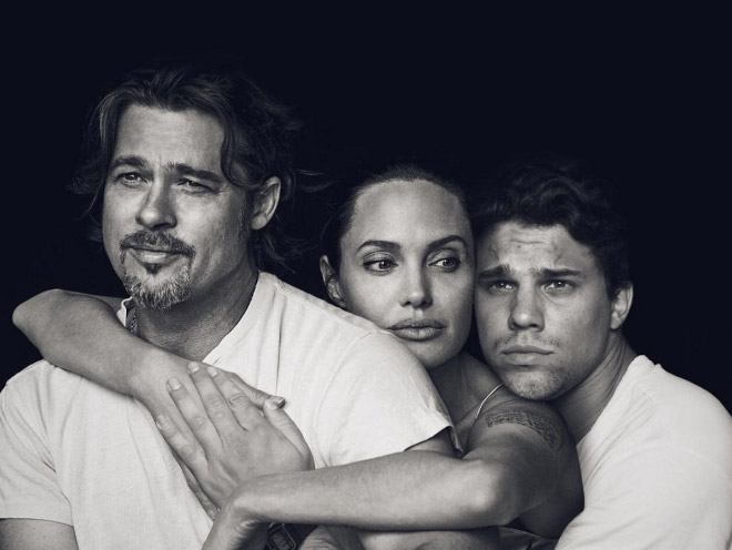 Hugging Brad and Angelina.