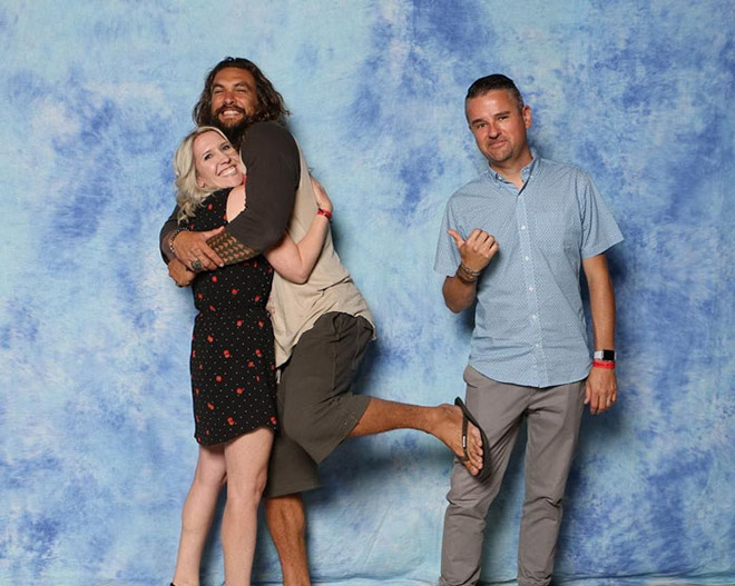 Funny fan photo with Jason Momoa.