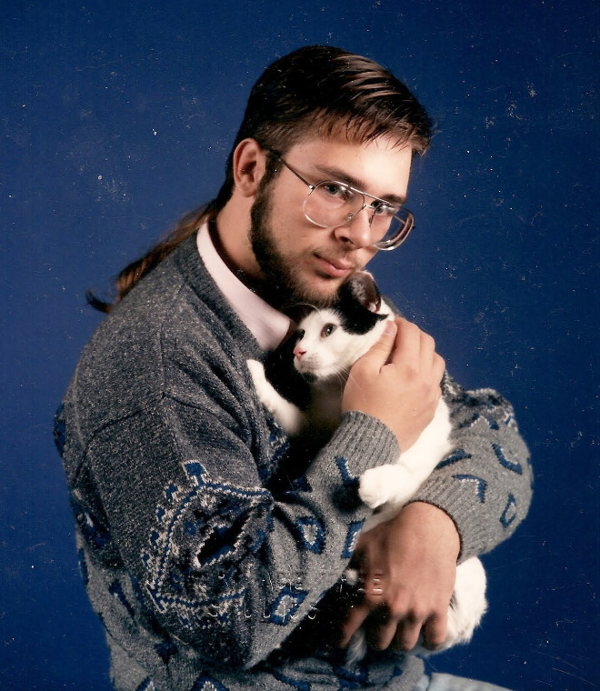 Beautiful glamour shot with a cat.