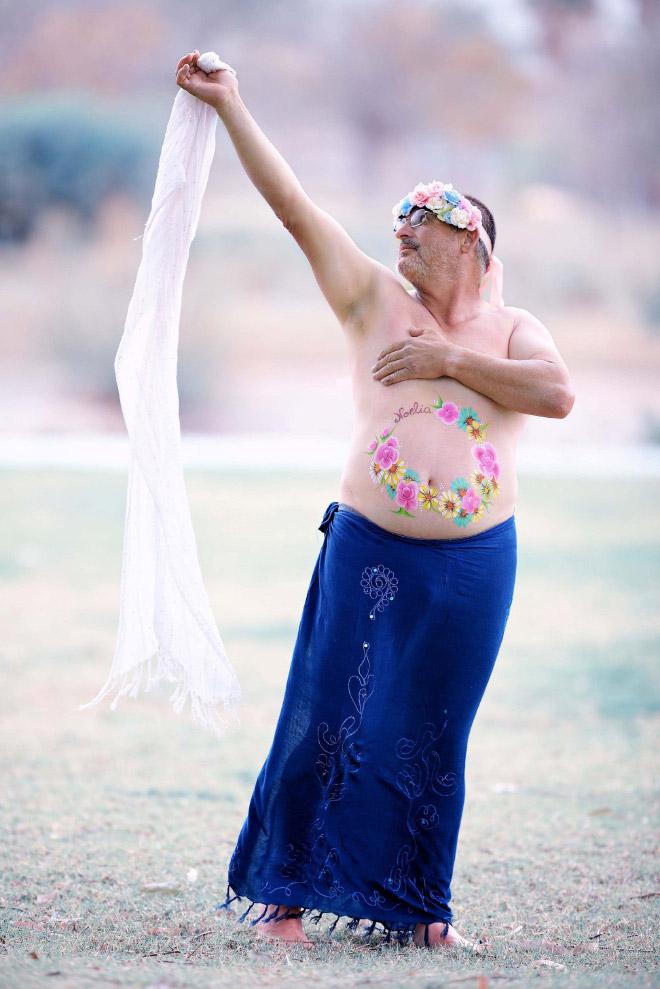 Pregnant photoshoot parody.