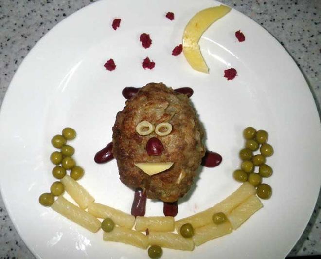 Crazy Russian food art.