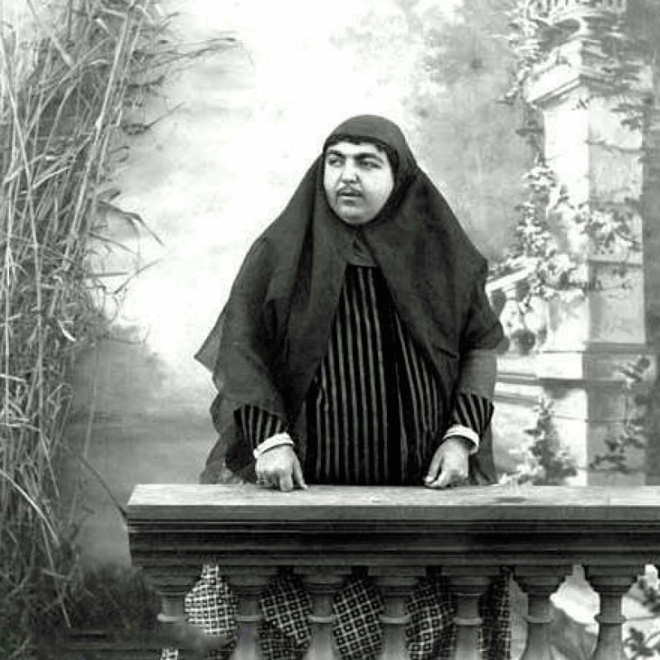 This woman was considered beautiful in Persia in 1900s.