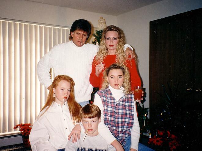 Weird Christmas family photo.