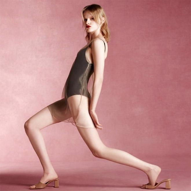 Zara modeling poses are really awkward.