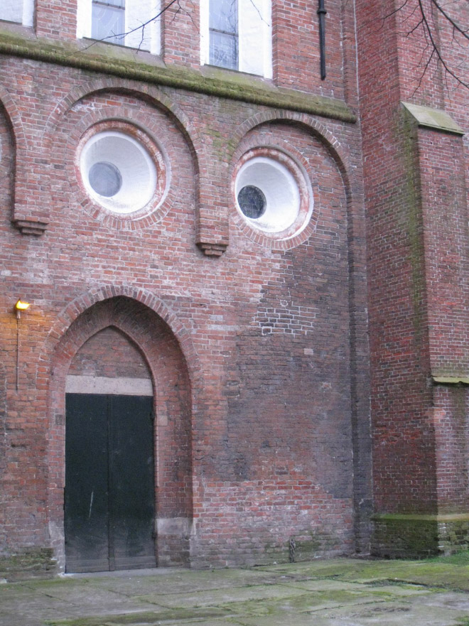 This house is judging you.