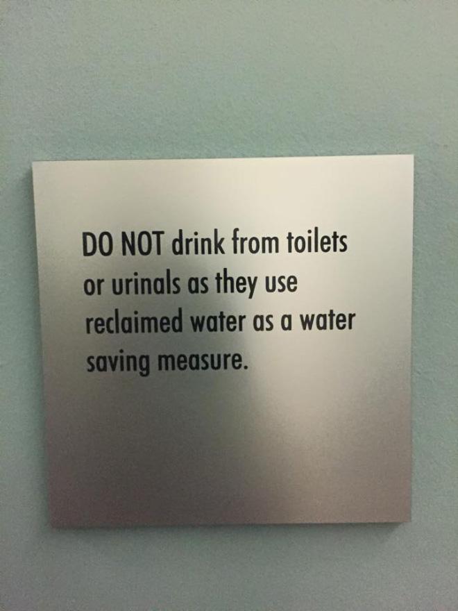 Dumb sign for dumb people.